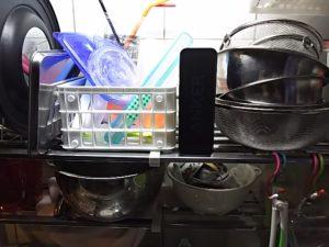 台所にbluetoothスピーカー1